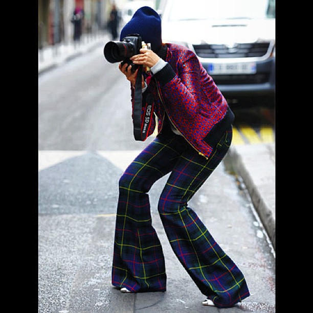Snap! On the street in Au Jour Le Jour! Just what we'd like to be wearing today.