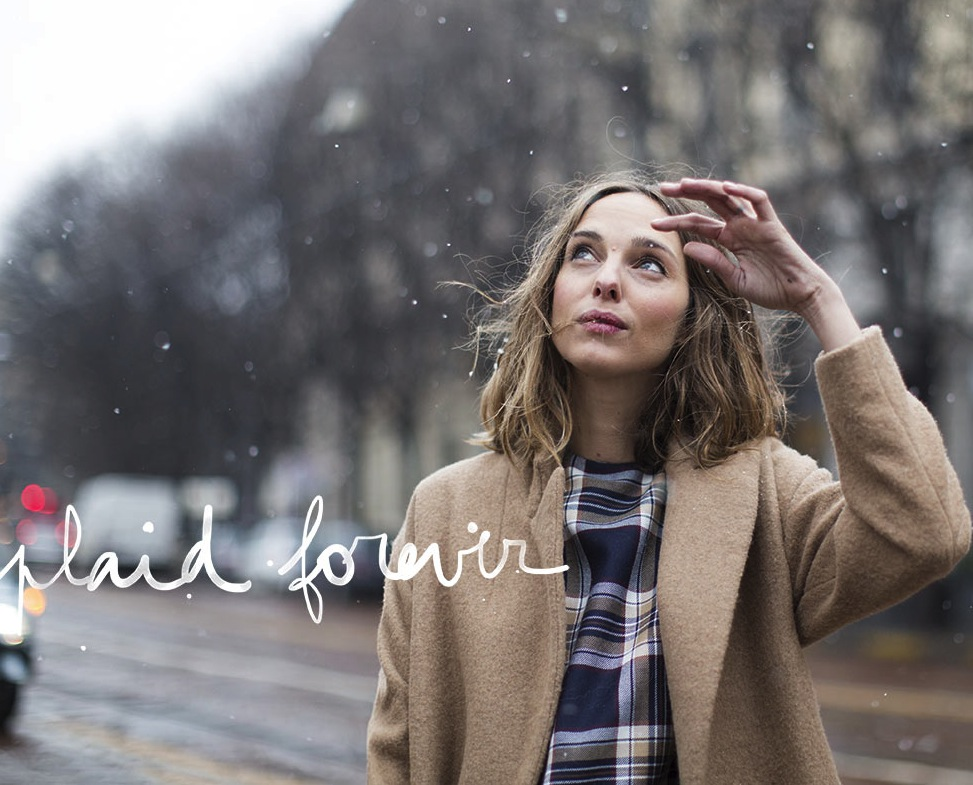 We're with you Candela… Plaid forever! In Au Jour Le Jour look!