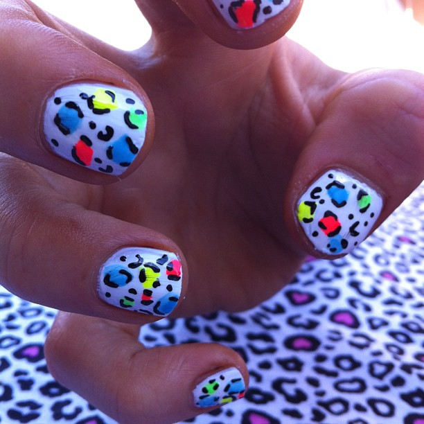 We love these white leopard nails by I Scream Nails!    iscreamnails :     Neon leopard #nailart #melbournenailart