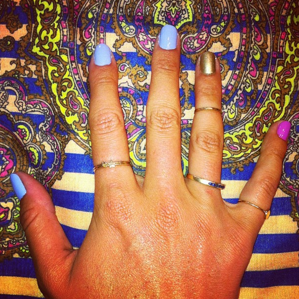 Love this colour combo and Catbird rings on the lovely Em, paired with our new Carven tee!