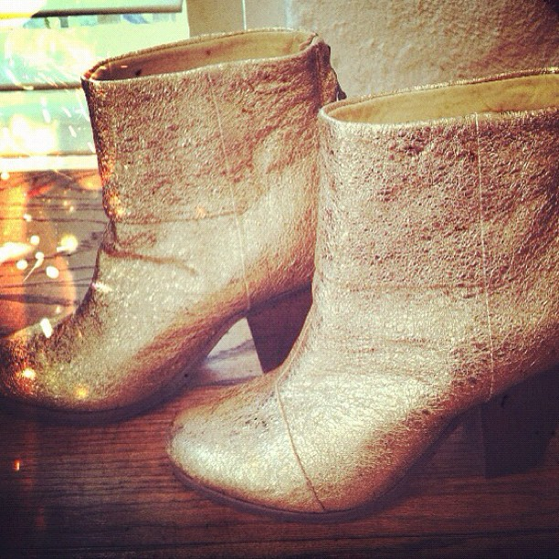 We have absolutely no words for these amazing gold foil Rag & Bone Newbury boots!