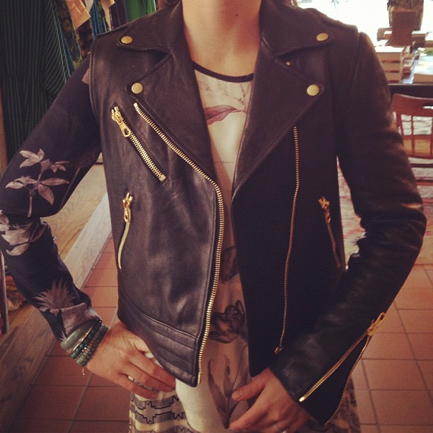 The perfect 2 in 1: Rag & Bone's fabulous 'Bowery' leather jacket with zip-off sleeves. A vest as well as a jacket - pure genius!!