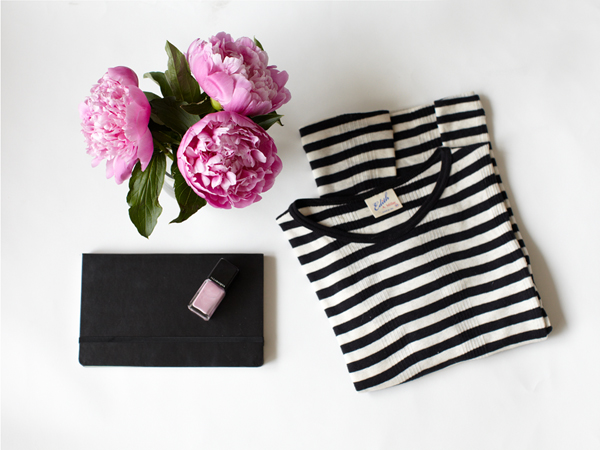 Such a cute pic of the Edith A. Miller signature stripe! decadediary: