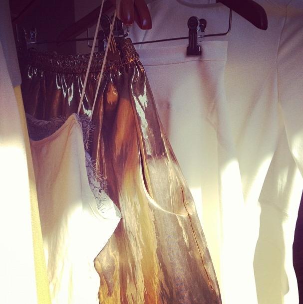 white & gold: TOME