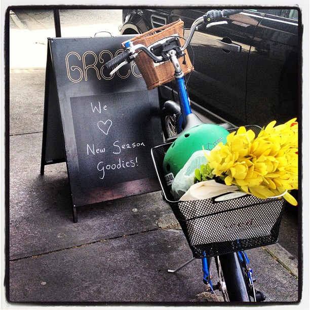 We also love bikes with fleurs