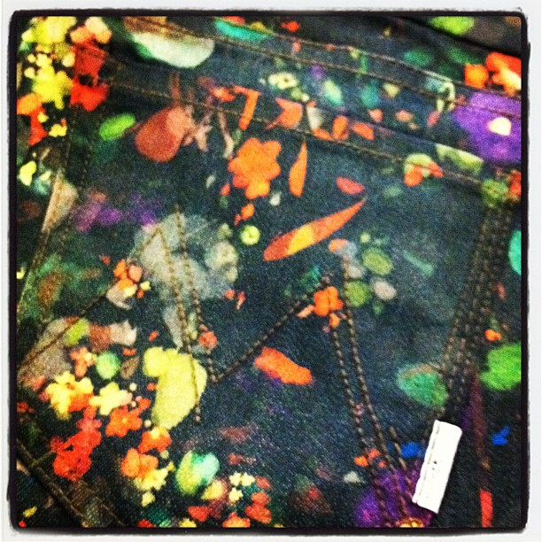 NEW ARRIVAL DAY!! Here's a hint of what we have just received… Stay tuned for more, we are busy bees today!