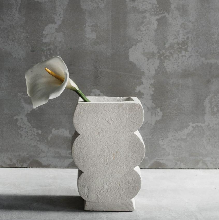 Balboa vase H32 x W14 x L20cm