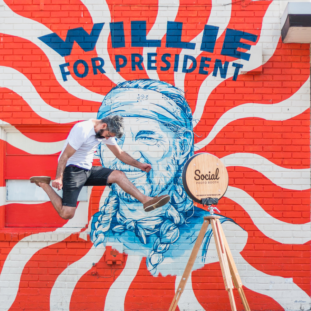 Willie for president wall mural