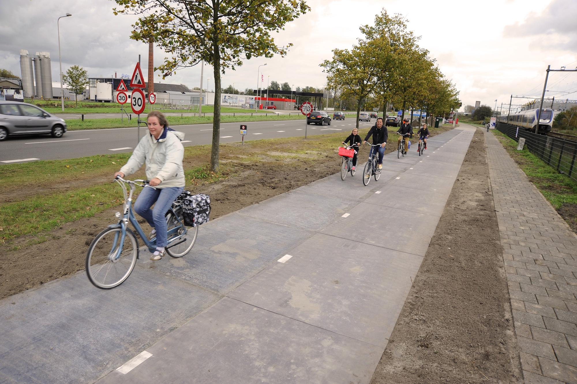 solar-bike-path