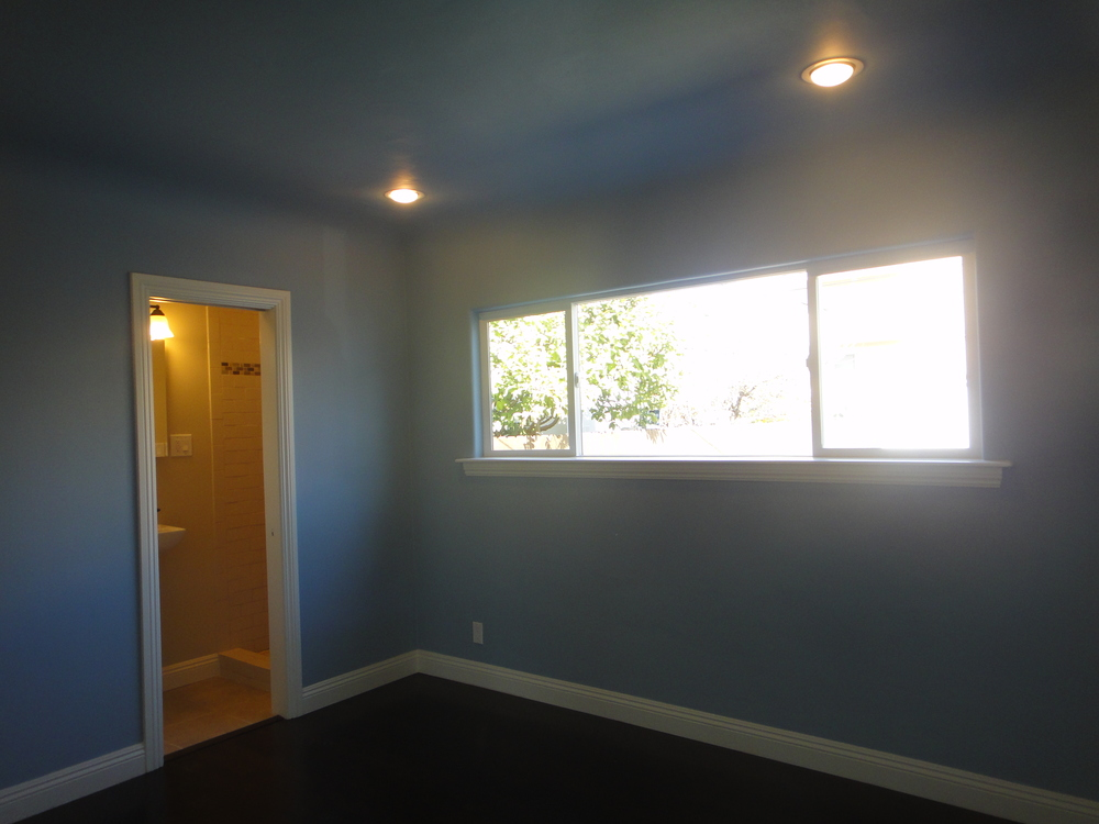 blue bed 2.JPG