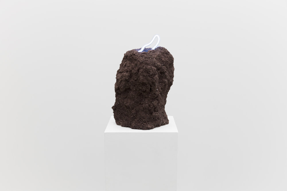 Untitled: rocks, neon light (argon & mercury), plaster, 2017.