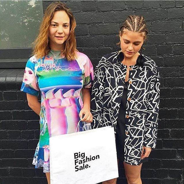 Über babes at über sale! If we were in Melbourne right now we'd be popping in to visit the spunks at @bigfashionsale. Over 6000 pieces including some of our favourite Aussie made legends. You should too! 🌈