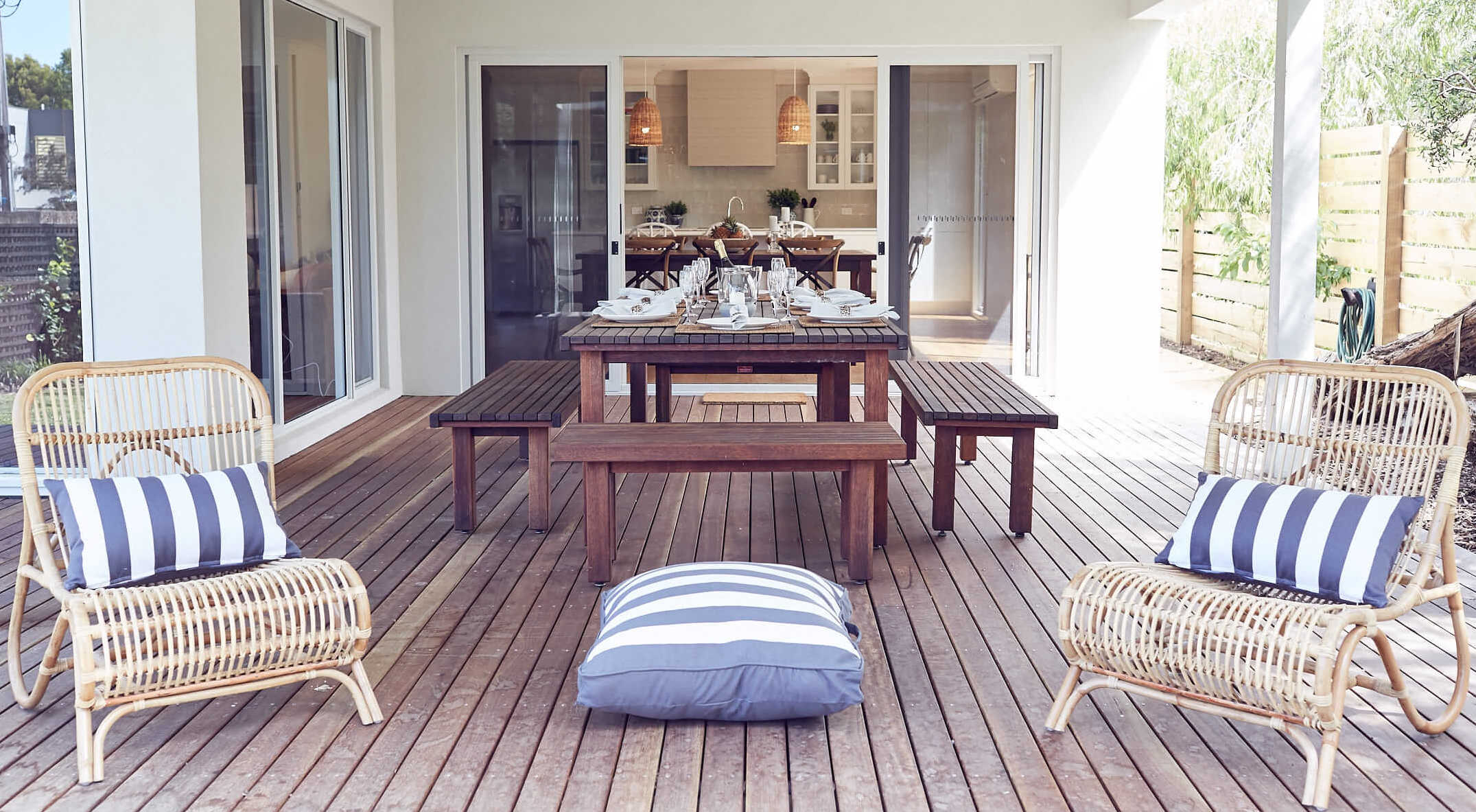 Luxury-accommodation-phillip-island-VERANDAH-RETREAT-alfresco-dining-square.jpg