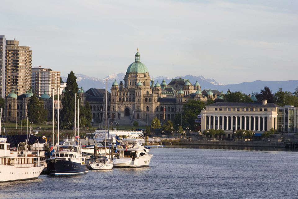 victoria_harbour_day.jpg