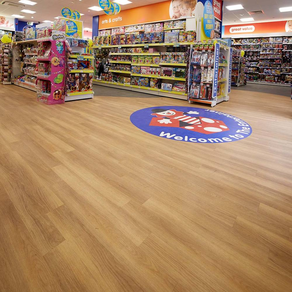 Case-Image1_HullFlooring_entertainer.jpg