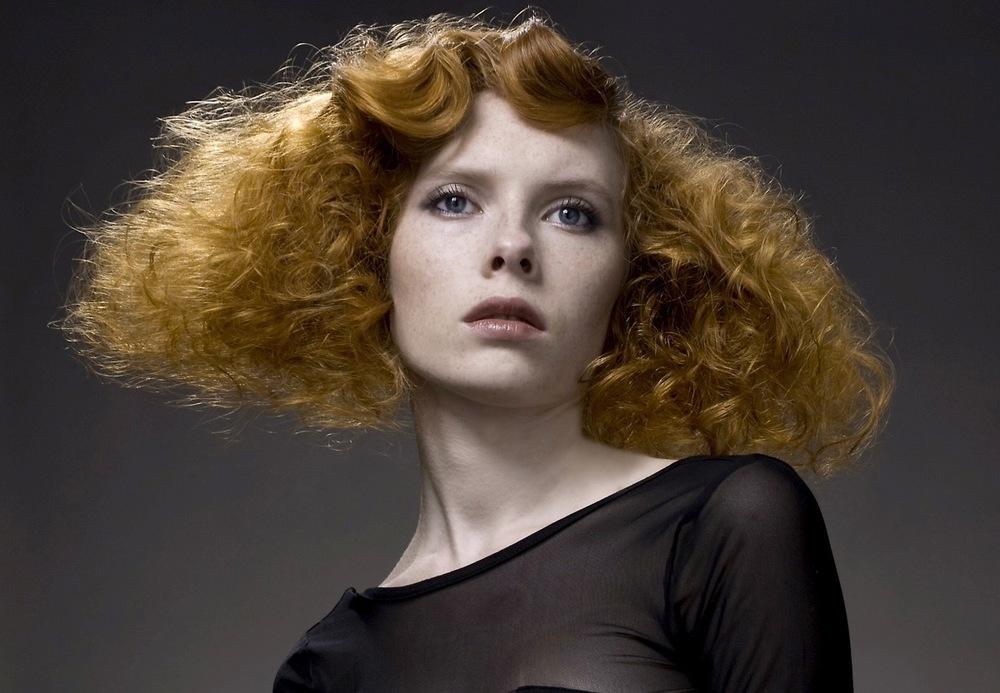 Eva Bogdalska make-up hair