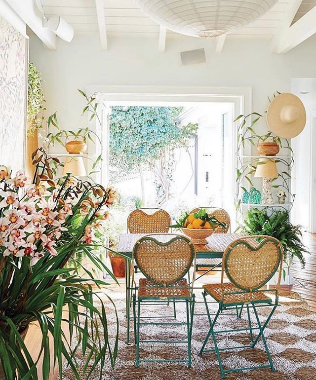 dreaming of a sunroom ☀️ @glitterguide #porchdecor #designinspo