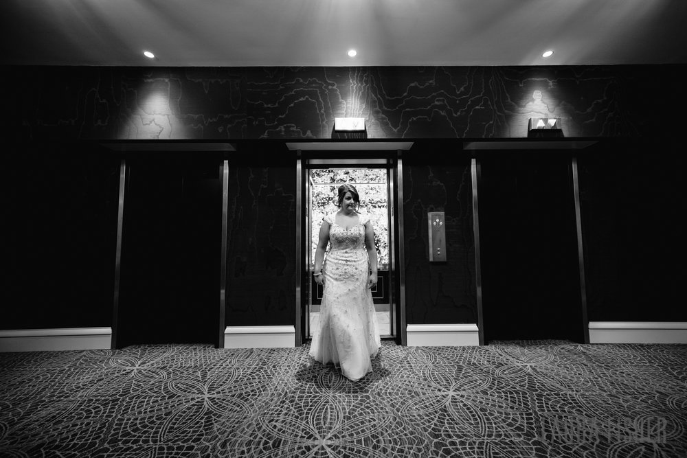 cincinnati-renaissance-hotel-wedding-photography-laura-fisher-0029-2.jpg