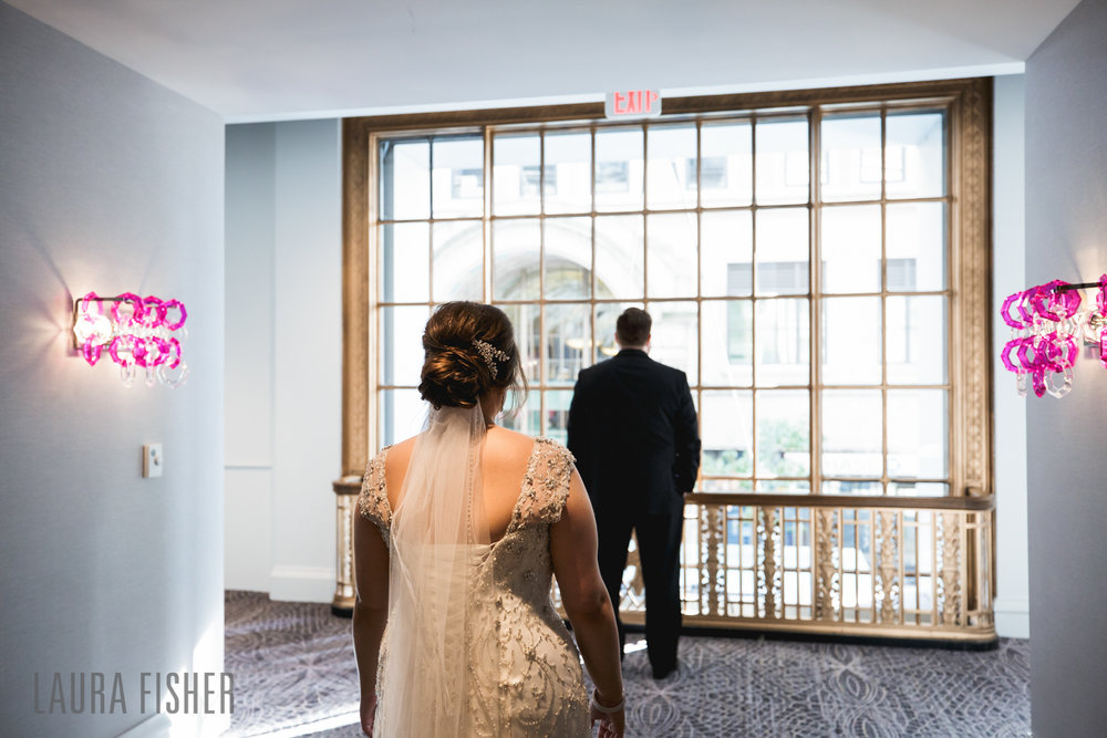 cincinnati-renaissance-hotel-wedding-photography-laura-fisher-0030.jpg