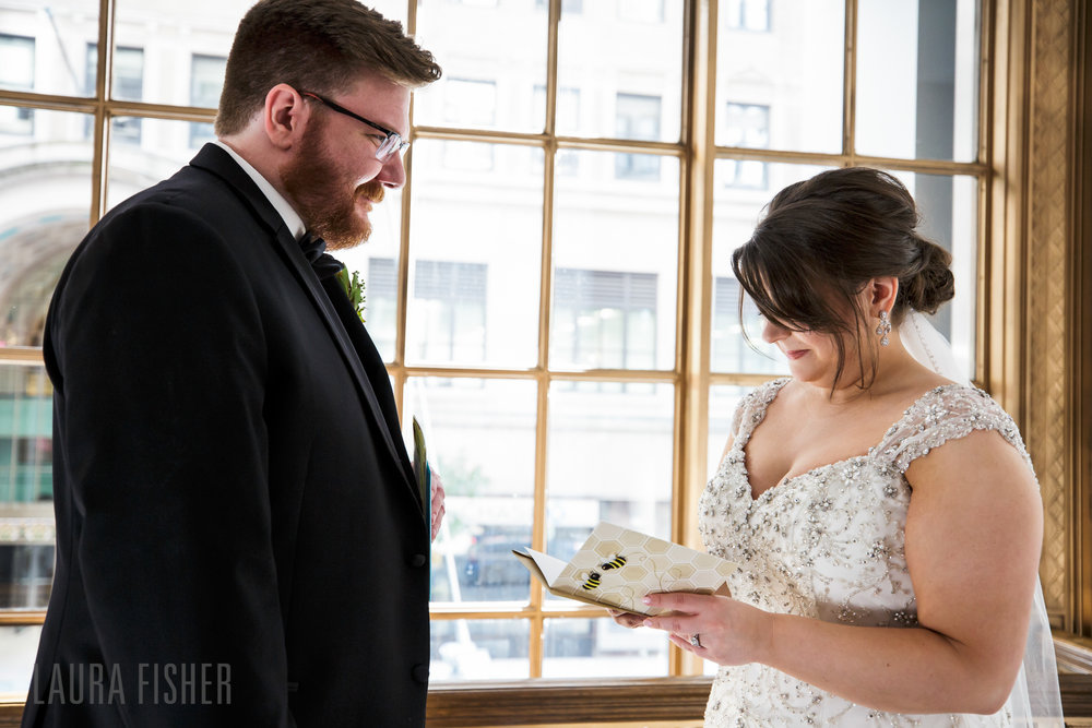 cincinnati-renaissance-hotel-wedding-photography-laura-fisher-0035.jpg