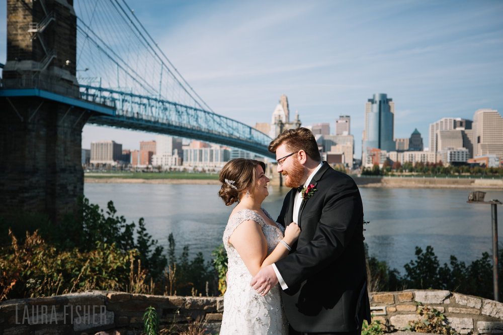 cincinnati-renaissance-hotel-wedding-photography-laura-fisher-0038.jpg