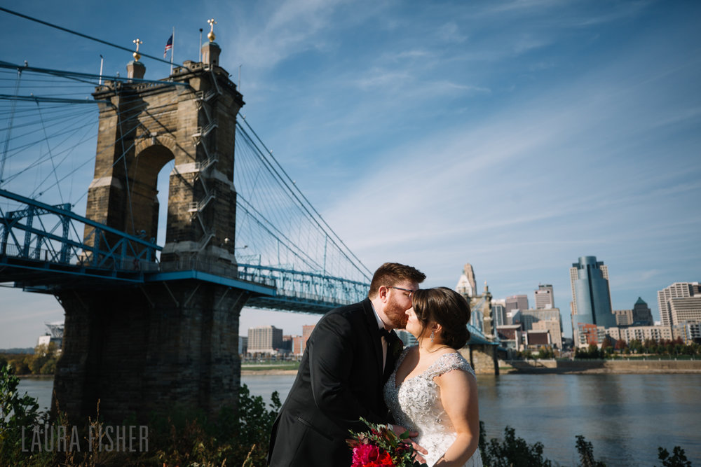 cincinnati-renaissance-hotel-wedding-photography-laura-fisher-0039.jpg