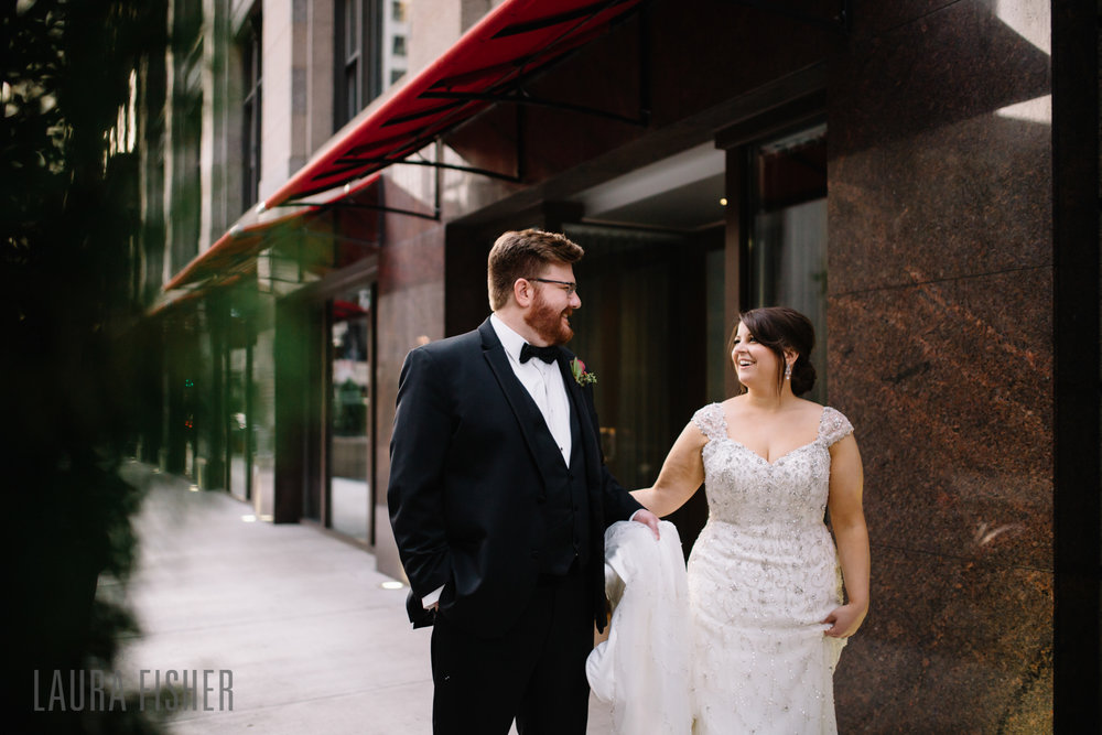 cincinnati-renaissance-hotel-wedding-photography-laura-fisher-0058.jpg