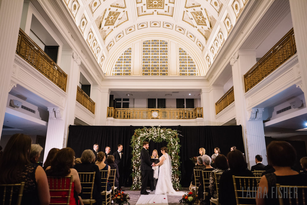 cincinnati-renaissance-hotel-wedding-photography-laura-fisher-0074-2.jpg