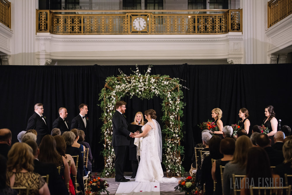 cincinnati-renaissance-hotel-wedding-photography-laura-fisher-0078-2.jpg