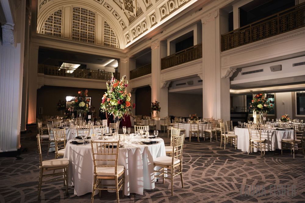 cincinnati-renaissance-hotel-wedding-photography-laura-fisher-0089-2.jpg