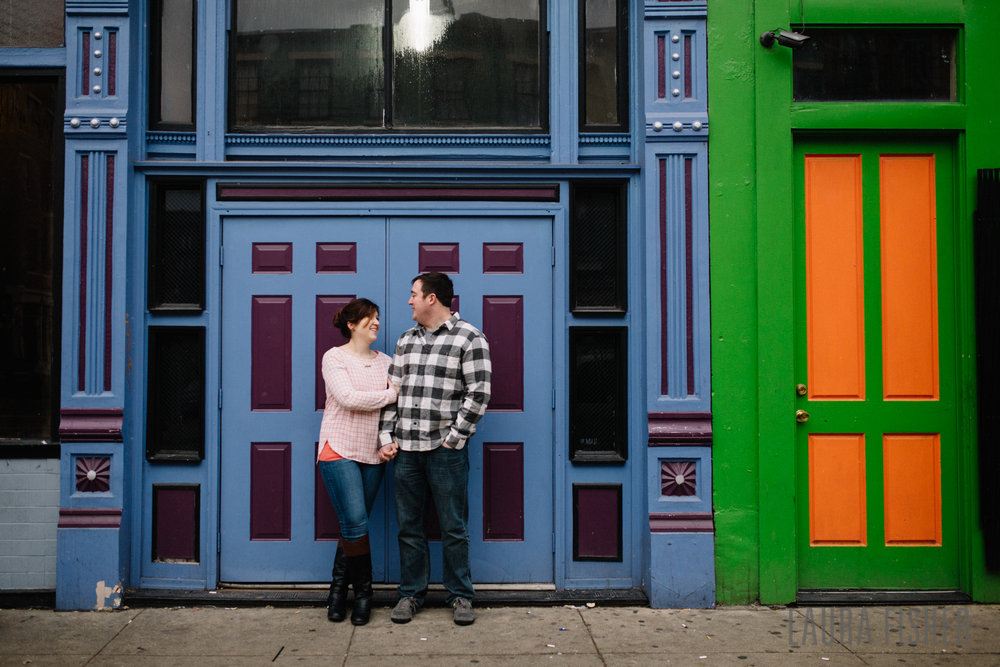 cincinnati-smale-park-OTR-engagement-photography-laura-fisher-0008.jpg