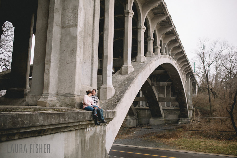 cincinnati-smale-park-OTR-engagement-photography-laura-fisher-0029-2.jpg