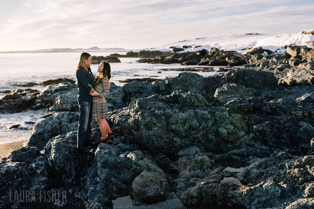 iceland-black-sand-beach-engagement-laura-fisher-photography-0008.jpg