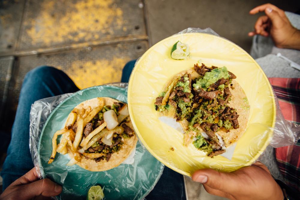 Tacos campechanos con chorizo verde