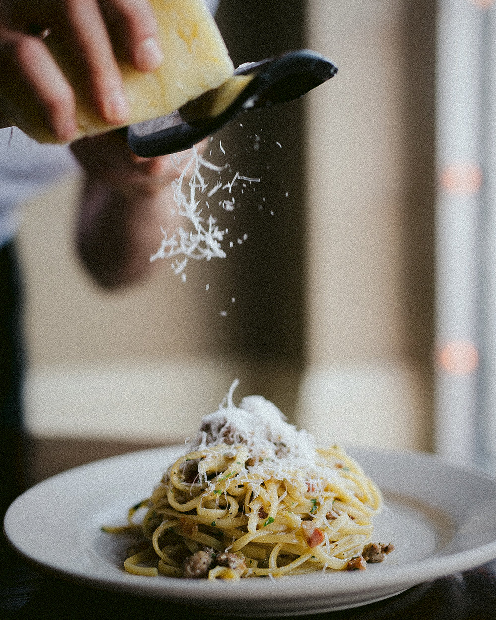 image of the linguine alla carbonara from  https://tavolavino.com  because it was too dark out when I got mine to photograph it!