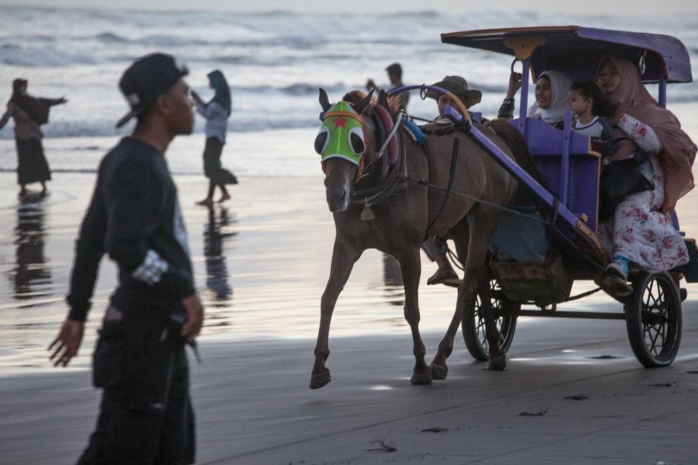 INDONESIA Java Parantritis Beach—2016 August 19 06;39;50.jpg