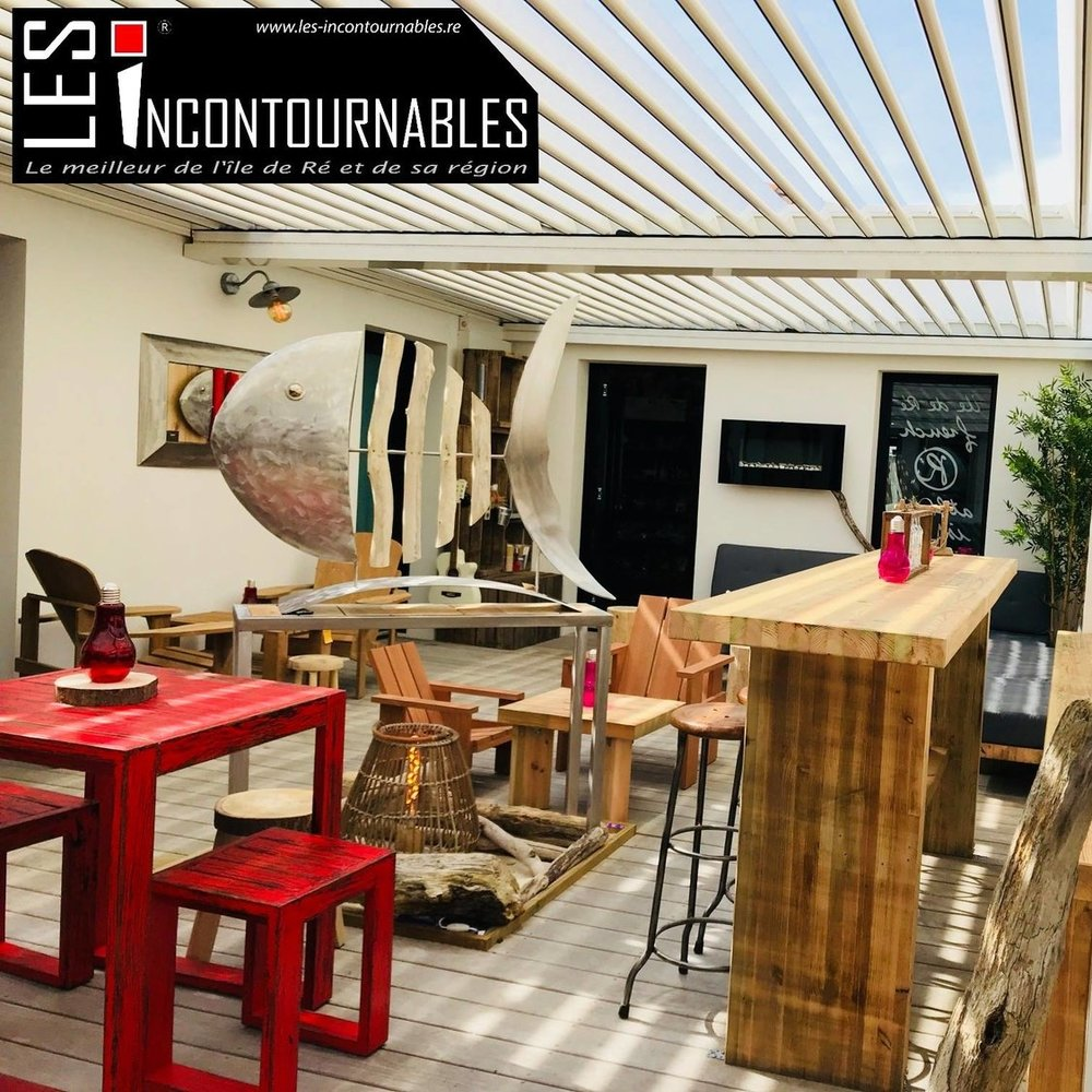 LES INCONTOURNABLES - LOCAL PRODUCTSGrocery - Cooked meats - See food - Local drinks - Ice cream - Tasting - ready-to wear - Accessories - Art gallery -CHEMIN DU COPRS DE GARDE - 17111 LOIX - TEL : 0546271373