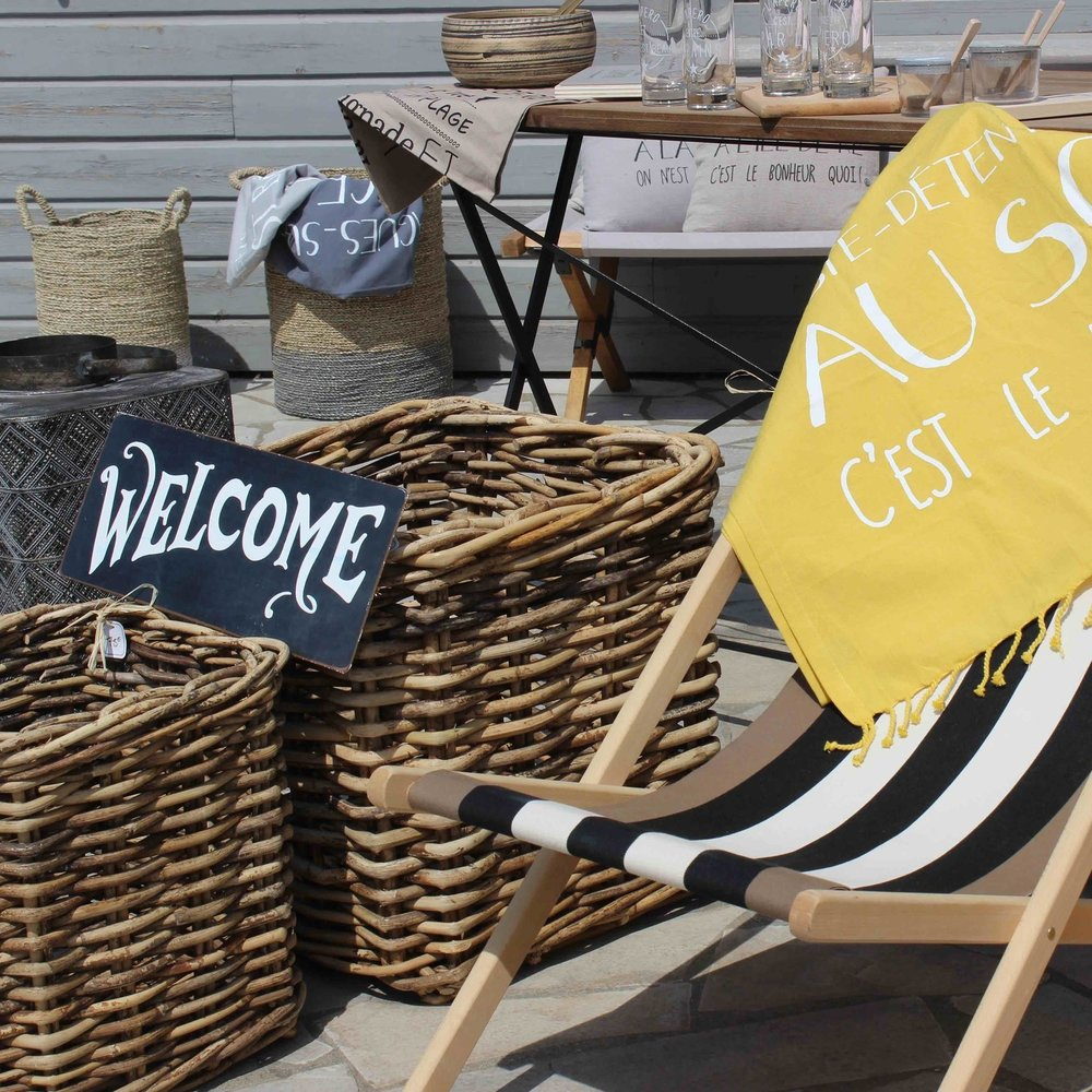 UN DIMANCHE A LA MER - THE HOME DECOR REFERENCE ON THE ISLAND, THIS SHOP WILL BLOW YOUR MIND.UN DIMANCHE A LA MER - 1 ROUTE DE ST MARTIN - 17670 LA COUARDE - TEL:0546296708