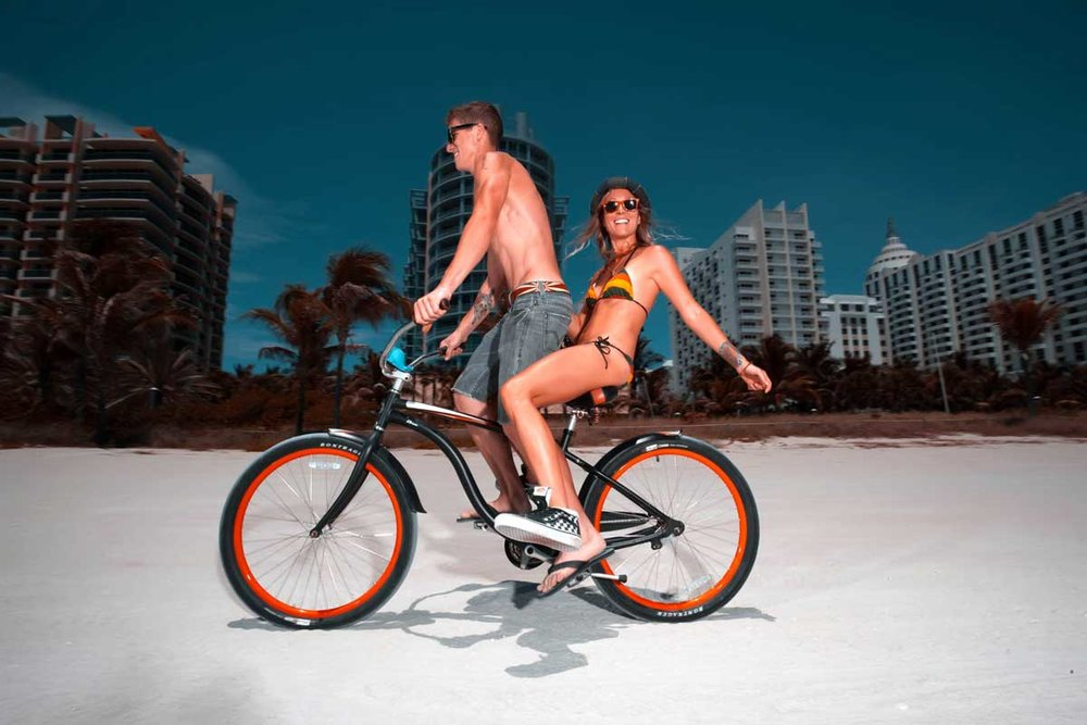 20110716MiamiBeachBikecouple-48small.jpg
