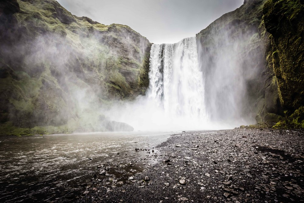 Iceland - 17mm, f/13, 1/200 sec., 800 ISO