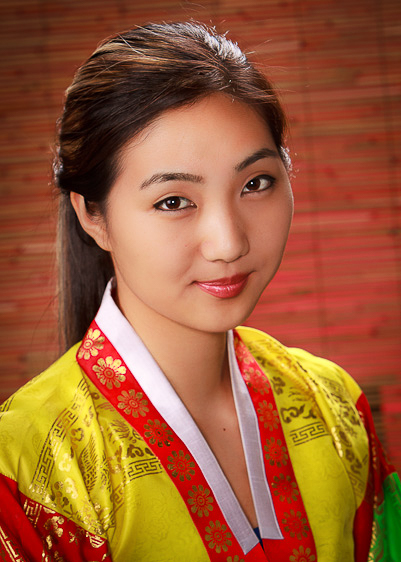 korean-traditional-costume-portrait