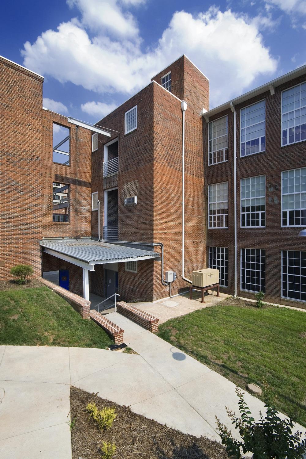 Rivermill Apts exteriors 06 045.jpg