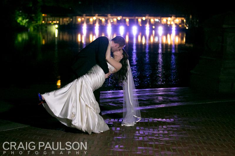 AllieDavid_CraigPaulsonPhotography_CentralParkBoathouse027.jpg