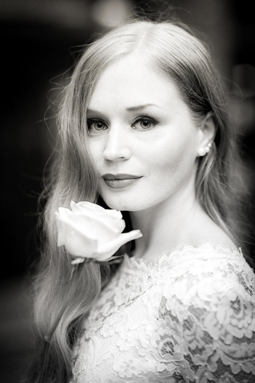 bride wedding rose photography 0027