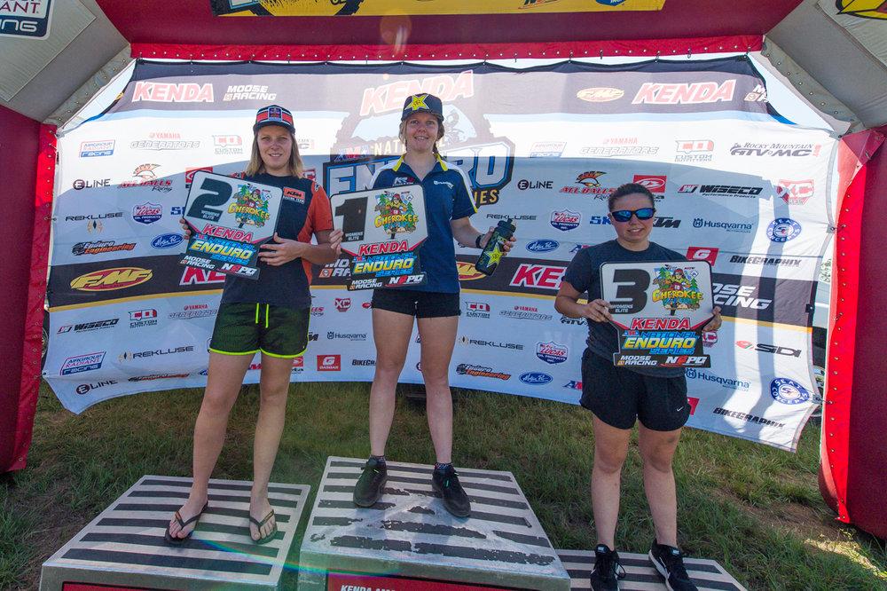 women-podium-Chero-008-1.jpg
