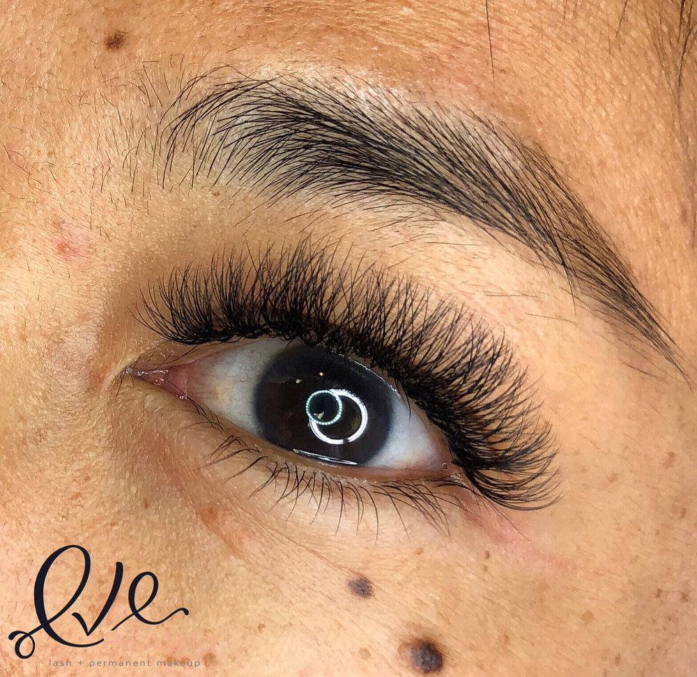 Light Volume Lashes by Eve Beauty