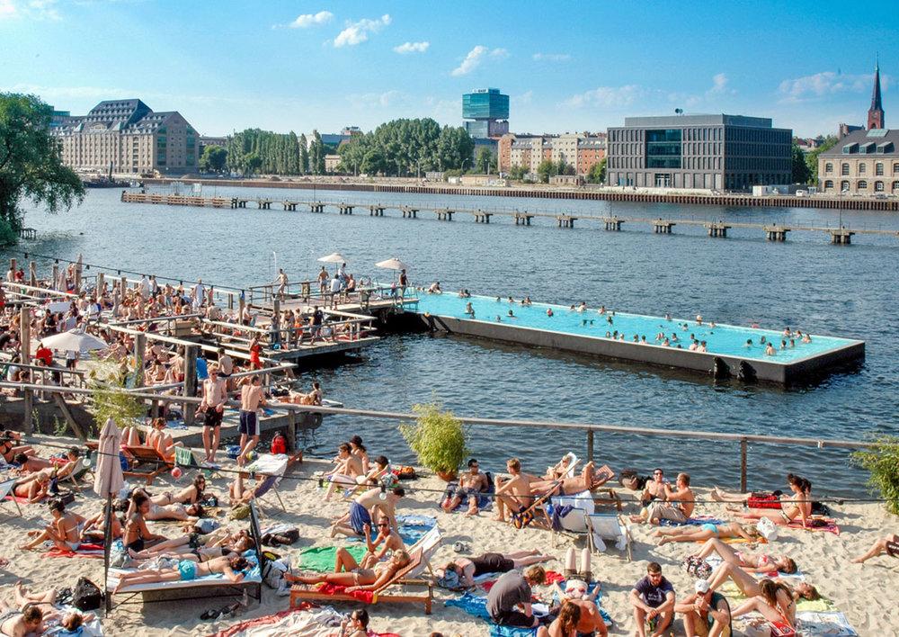 Badeschiff, Berlin