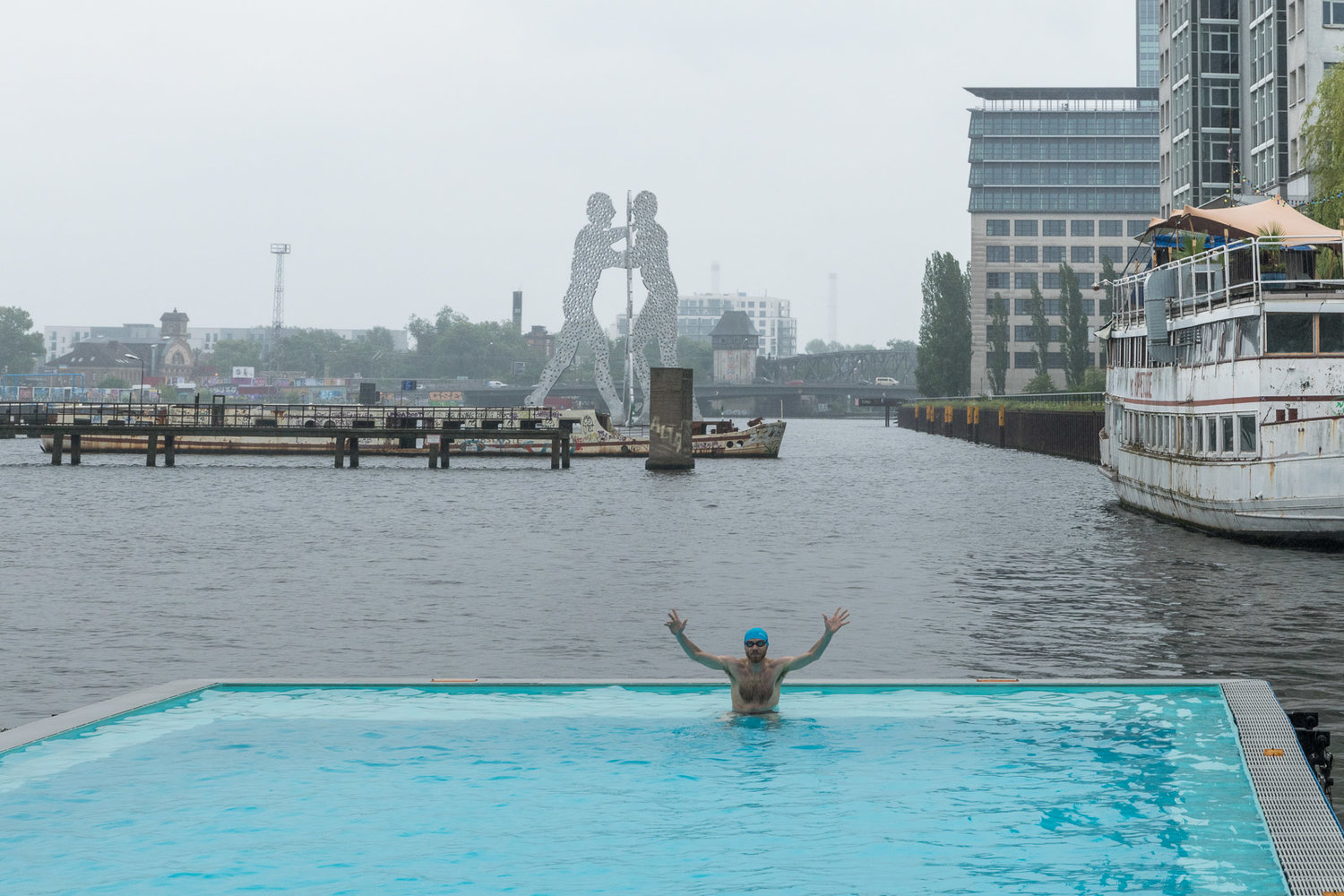 COOL IN BERLIN — POOL IS COOL