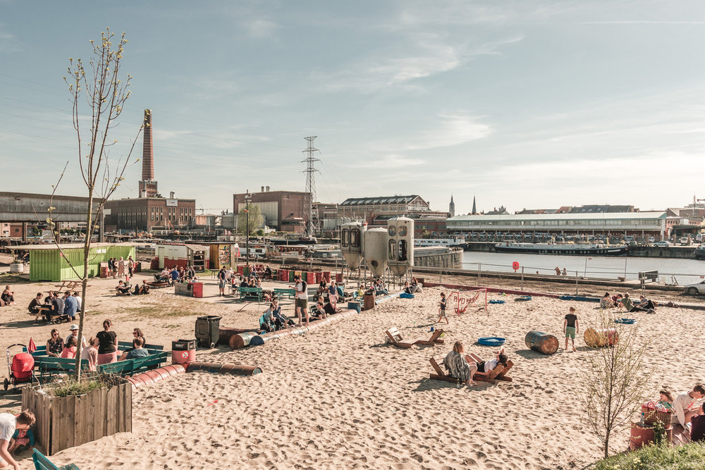 DOK Gent: a beach already today /une plage déjà aujourd'hui / al vandaag een strand. ©  Michiel Devijver
