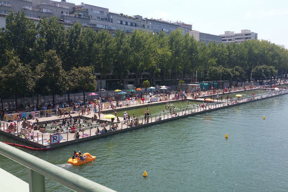 Baignade de la Villette in summer / en été / in de zomer …